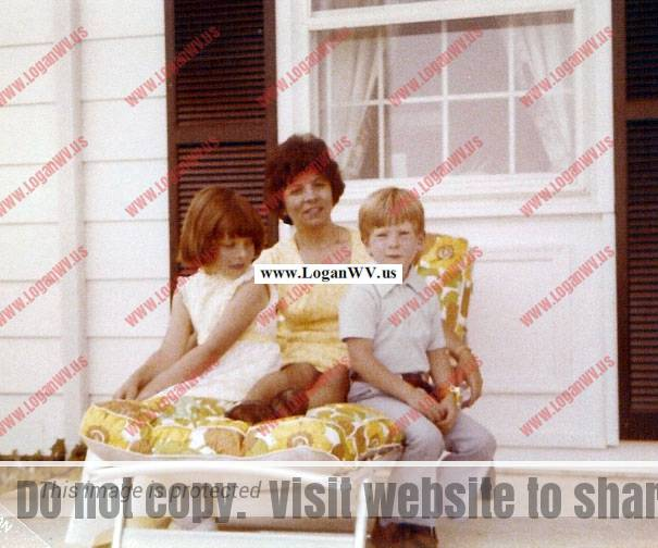 esther-mccormack-with-children-michelle-and-robbie