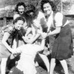 hompson girls, Monaville, WV