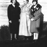 Virginia Jones with daughters Ruth and Ellen