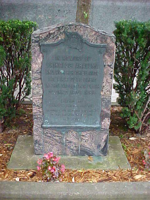 Aracoma Courthouse Memorial