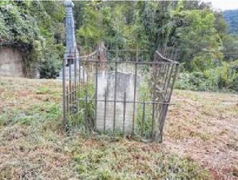 Headstone of Ann Lawson (1783-1847) photo by Dwight Williamson