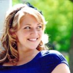2001 Amber Shambo, daughter of Joe and Rhonda McCormick Shambo of Valpraiso, IN