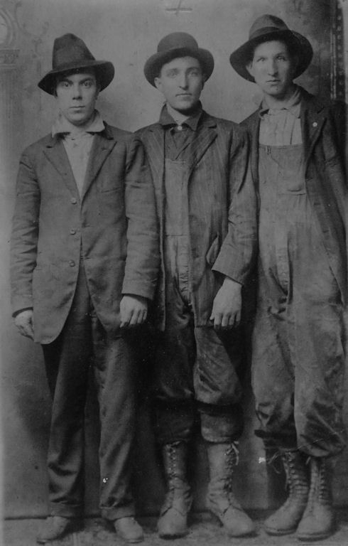 Emery S. Killen (center) born in 1898 courtesy of Ralph McNeely