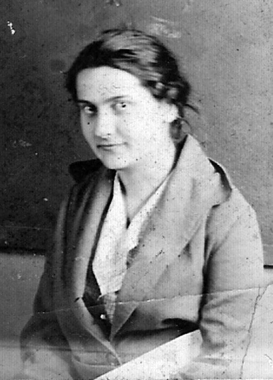 Emma Maude McCormack, daughter of Sam and Sarah McCormack,  school teacher on Straight Creek, Carter County, KY.