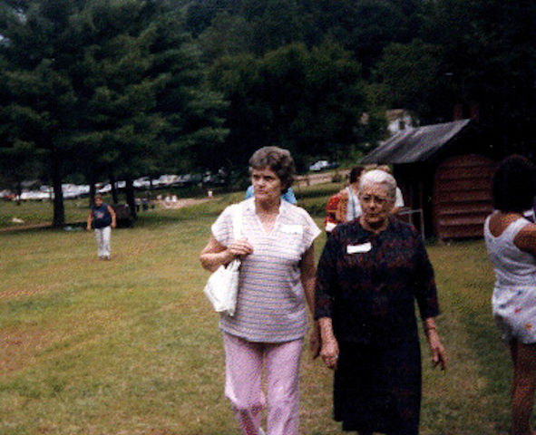Harriet Sansom & Sonia at Sansom family reunion