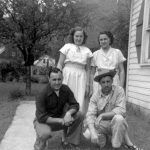 (L-R) Arnold, Nellie and Katie Killen at Mitchell Heights courtesy of Ralph McNeely