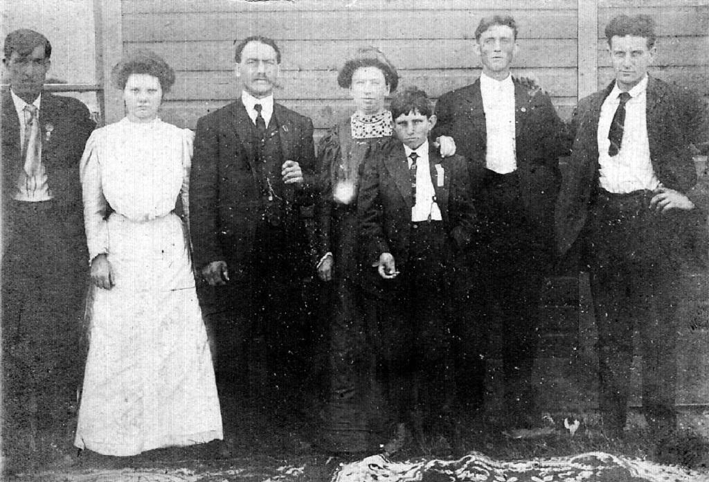 Lizzie Bowling Thomas and husband Heston Thomas of Macelona, MI.