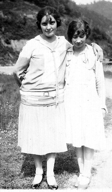 lula-mae-adkins-and-virginia-taylor-1927