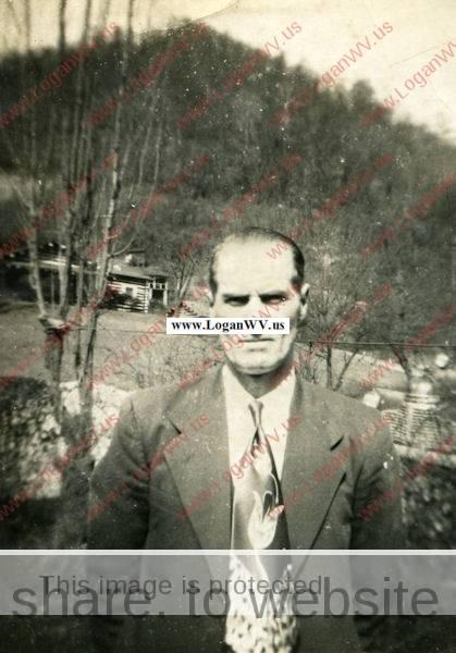 Dewey James Salyers