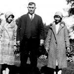 1922 Scott Taylor with daughters Virginia and Elizabeth visiting Lake Michigan.g Lake Michigan.