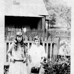 Virginia and Elizabeth Taylor in front yard Aug. 19, 1923.